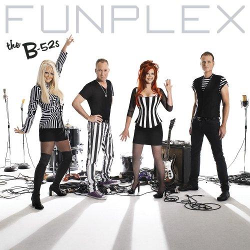 B52s, Funplex, 2008, mylifeinconcert.com